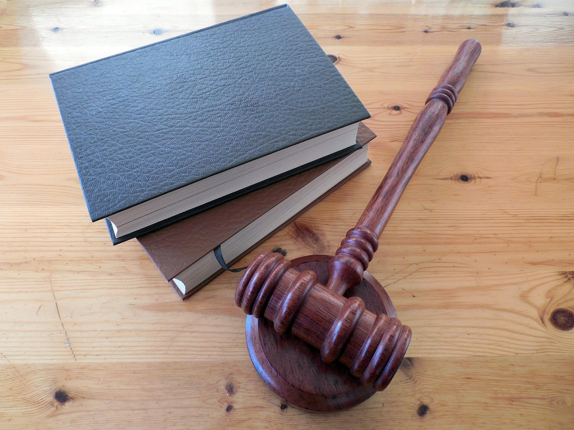 外国人採用 法律