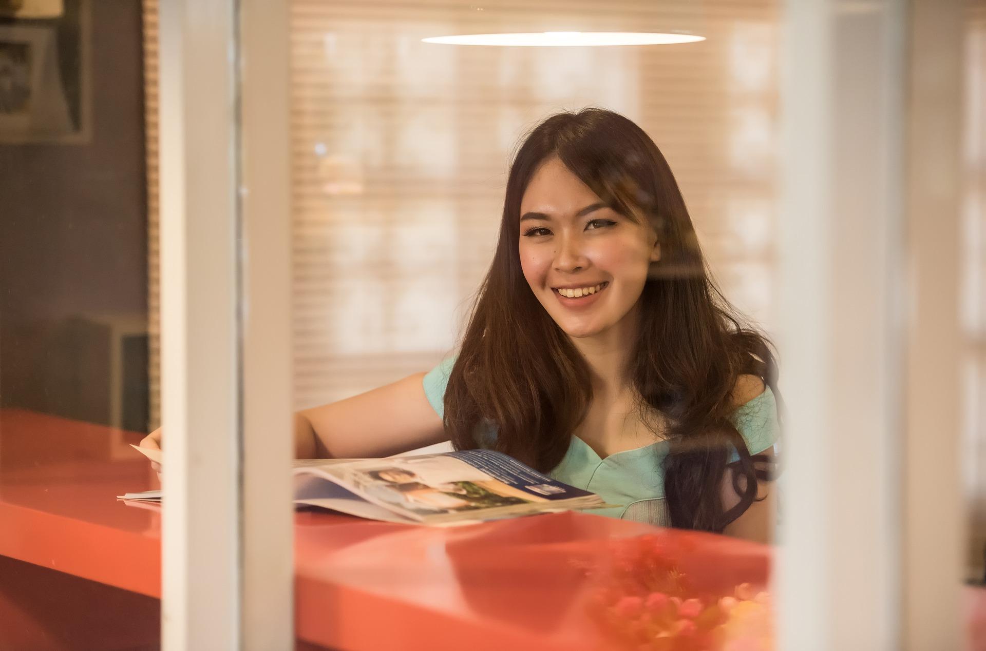 アジア人の笑顔