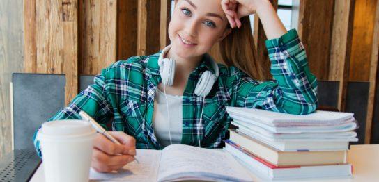 外国人留学生女